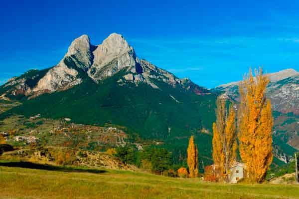 Bergueda | Walking in the Pyrenees
